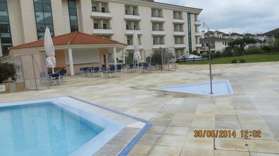 Riviera Hotel Carcavelos: Открытая зона отдыха