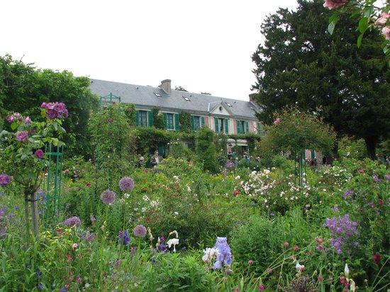 Claude Monet's House and Gardens: Monet's House & Gardens