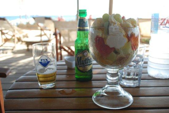 Cedar cafe: macedonia