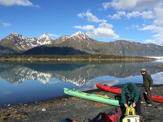 Alaska Creekside Cabins : kayakin/hike w/ Adventure 60 North (.5 miles up road)