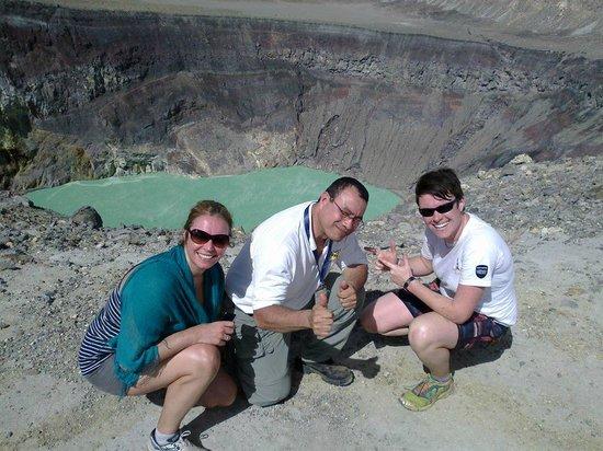 Lake Coatepeque: Imagen captada a la orilla del cráter volcán Ilamatepec