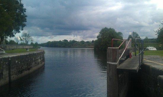 River Shannon : Tarmonbarry Lock
