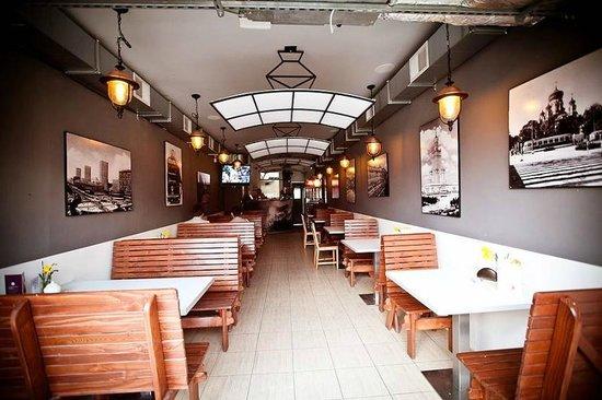Warsaw Tram Food Bar: Nasze przestronne wnętrza
