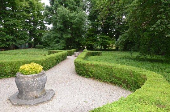Hotel Villa Alberti: Jardins bem cuidados