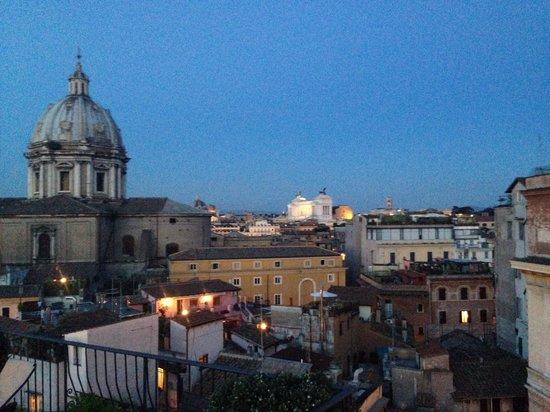 Boutique Hotel Campo de Fiori: The view again from the terrace