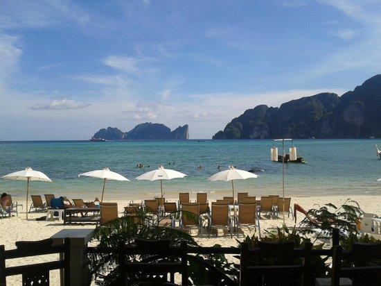 Bay View Resort: Praia em frente ao hotel!