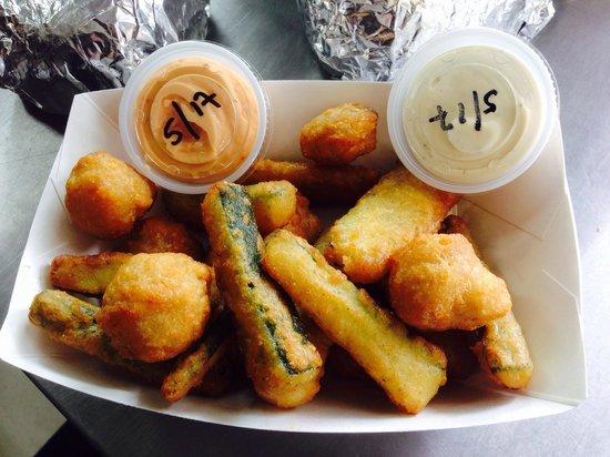 Big D's Burger Shack: Fried mushrooms and zucchini sticks.