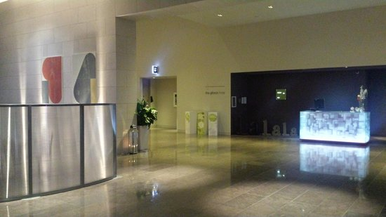 The Gibson Hotel: Lobby