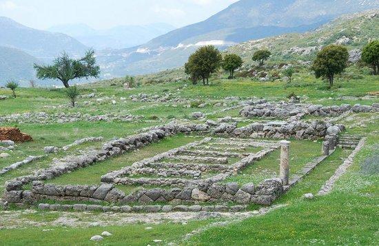 Thesprotia Region, Grecia: Elea / Chrysavgi, Gebäude auf der Agora