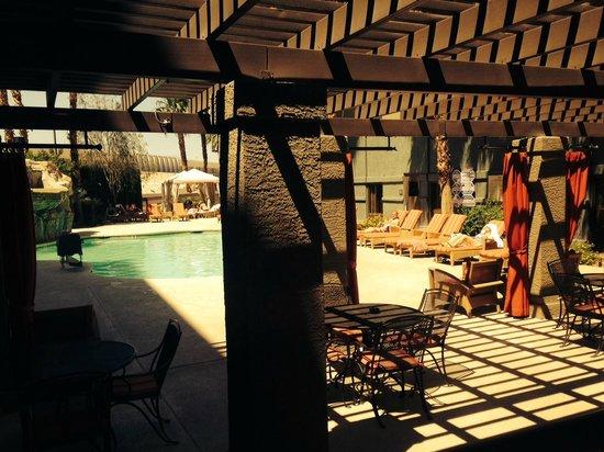 Hampton Inn Tropicana: Pool area