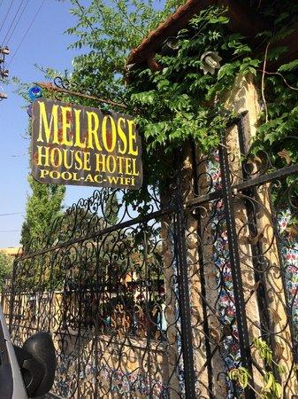 Melrose House Hotel : melrose hotel