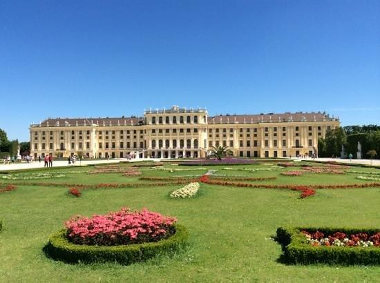 Gärten von Schönbrunn: Gardens with Schonbrunn Palace
