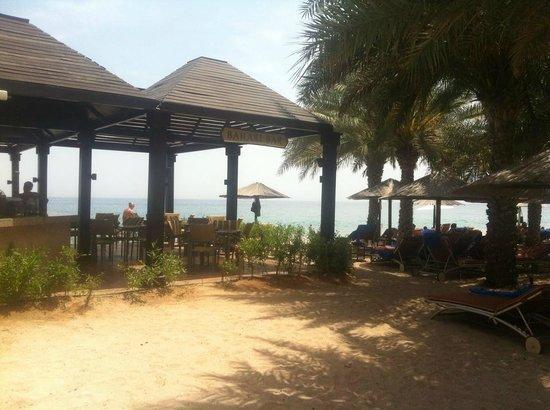 Miramar Al Aqah Beach Resort: Bahari Bar at the beach