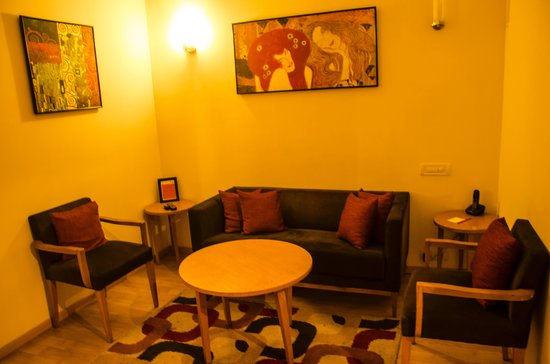 Red Fox Hotel Hyderabad: Living Room