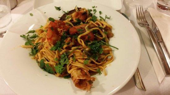 Salt & Pepper: Spaghetti fruit de mer