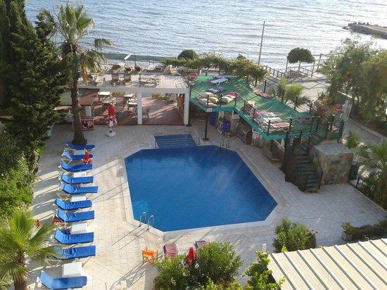 Cemre Hotel: Havuz