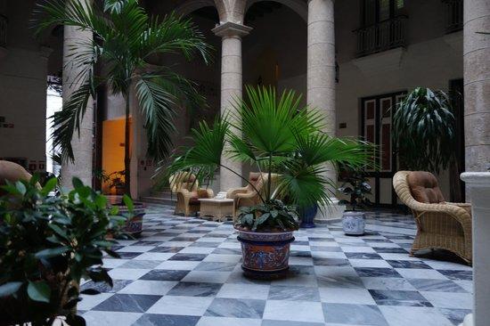 Hotel Florida: Smoking lounge