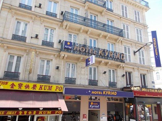 Kyriad Paris 10 - Gare Du Nord: front of hotel