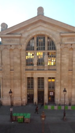 Kyriad Paris 10 - Gare Du Nord: view from room 1