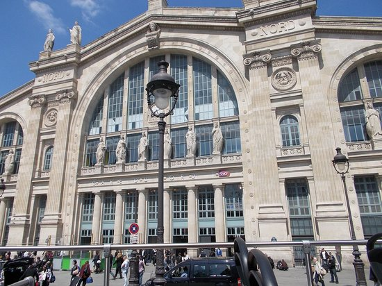 Kyriad Paris 10 - Gare Du Nord: view from room 2