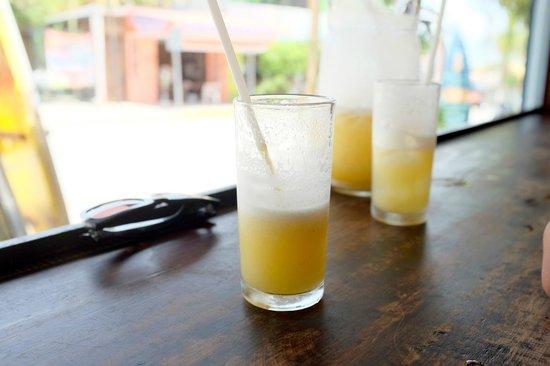 La Olita: Fresh orange and pineapple juice. So refreshing!