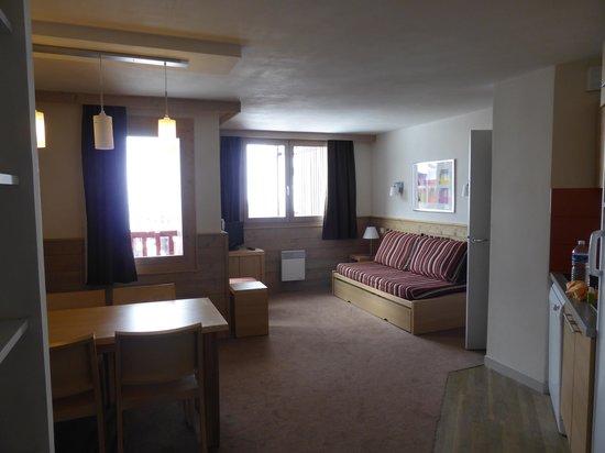 Pierre & Vacances Residence Les Gemeaux: Living area - Appt 503