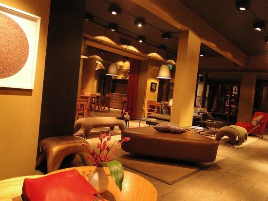 Esplendor Palermo Soho: Recepção, área de estar e restaurante 1