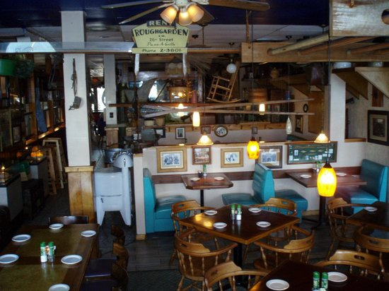 Silas Dent's Steakhouse: part of dining area