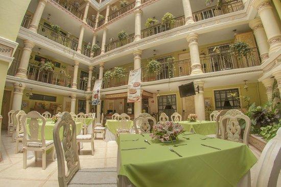 Villa las margaritas plaza cristal hotel reviews price for Hotel villa las margaritas xalapa