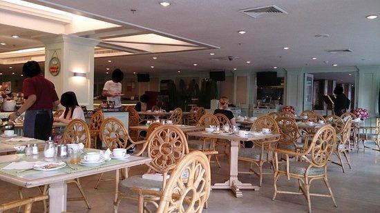 Empress Hotel: Dining