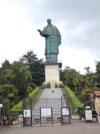 Sirio Hotel: Statua di S.Carlo ad Arona