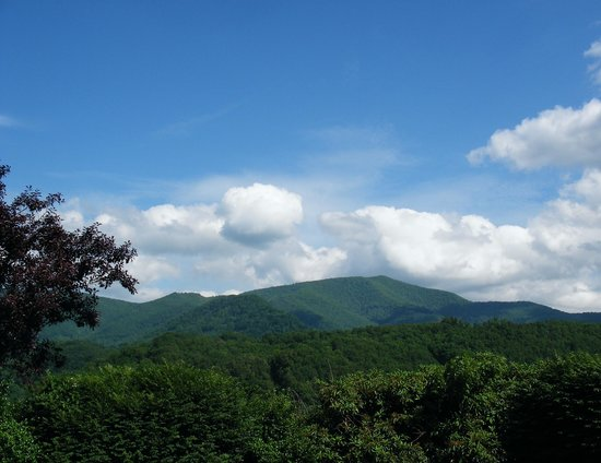 BEST WESTERN Smoky Mountain Inn: view of the mountains