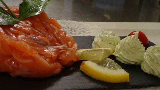 Fienvillers, France: julienne de saumon et sa mousse d'asperges vertes