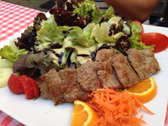 Immer Satt : Beef salad! Yum.