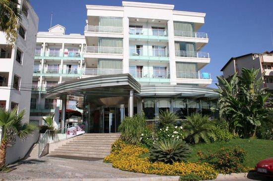 Blue Bay Classic Hotel: Отель