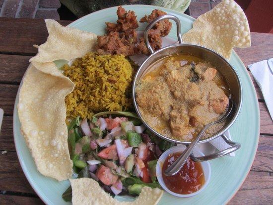 Swizzle Inn: Curry Chicken