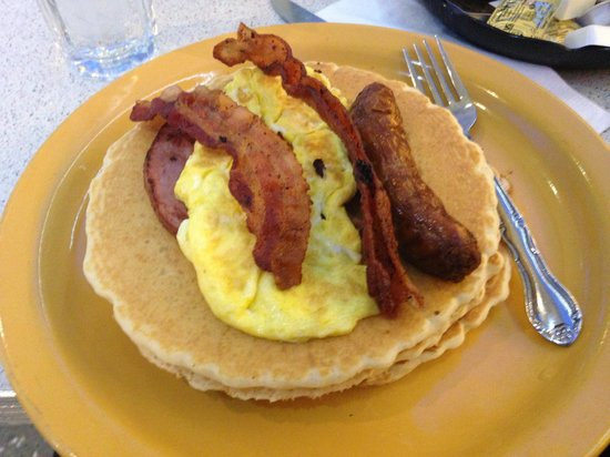 The New Yorker A Wyndham Hotel: Breakfast at the Tick Tock Diner