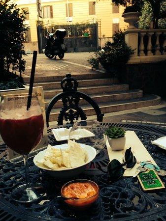 Villa San Lorenzo Maria Hotel: Happy hour al S. Lorenzo!!!