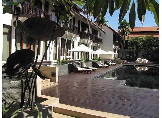 Anantara Angkor Resort : Pool area