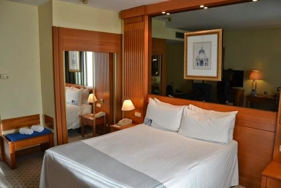 Tryp Barcelona Apolo Hotel: room 676