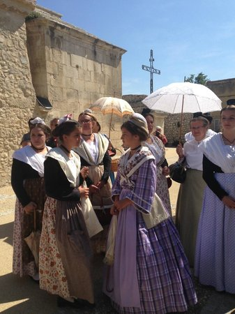 Moulin de la Roque: Great atmosphere at the Festival in Noves