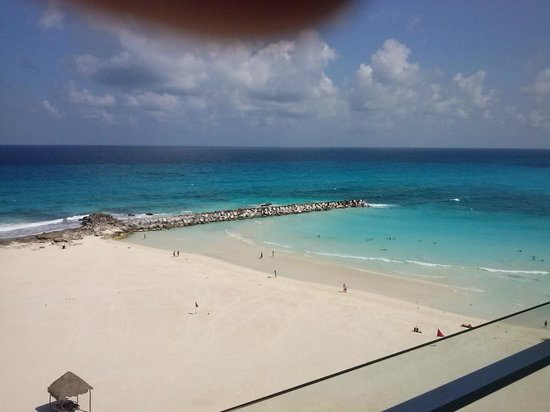 Krystal Grand Punta Cancun : VIEW FROM OUR ROOM
