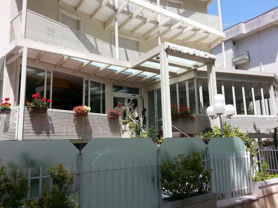 Hotel Arno: Fronte