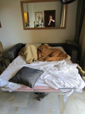 Sunset Beach Club: En elendig seng, som man ikke engang kunne sidde på