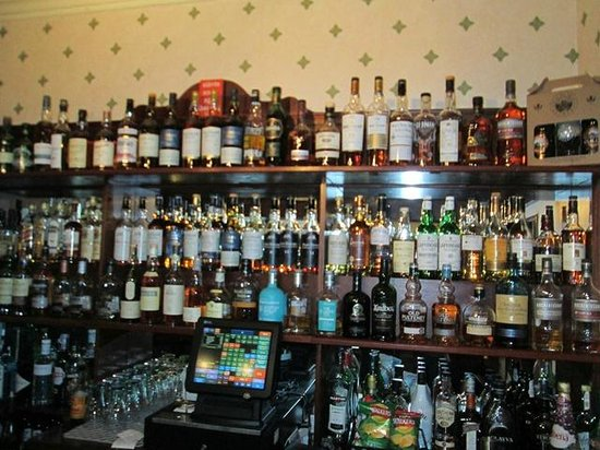 Uig Hotel: The Scotch Selection in the Hotel Bar