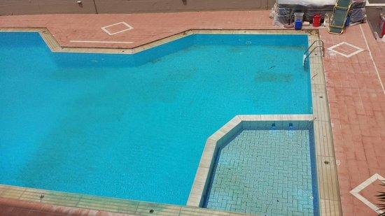 Vanisko Hotel : Voyer par vous meme l'etat de la piscine