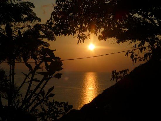 Aminjirah Resort: Sunset