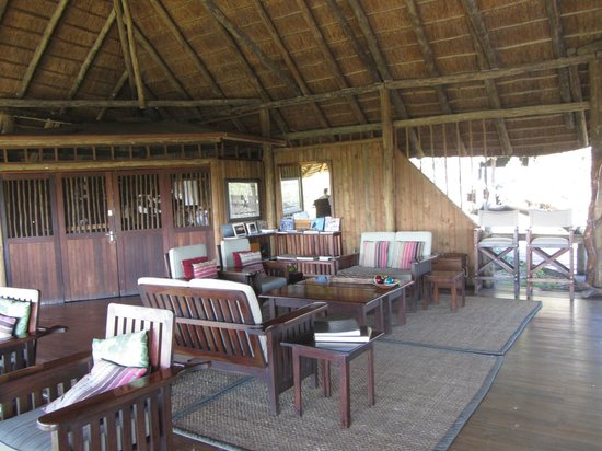 Lebala Camp - Kwando Safaris: Lounge area
