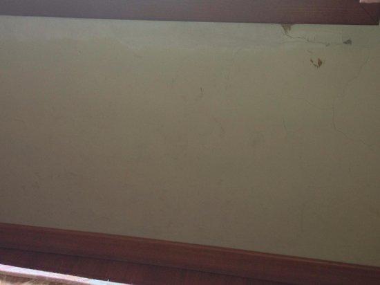 Hotel Sant Jordi: paret de una habitacion....