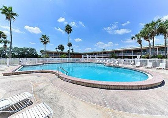 Quality Inn & Suites Sebring : Pool